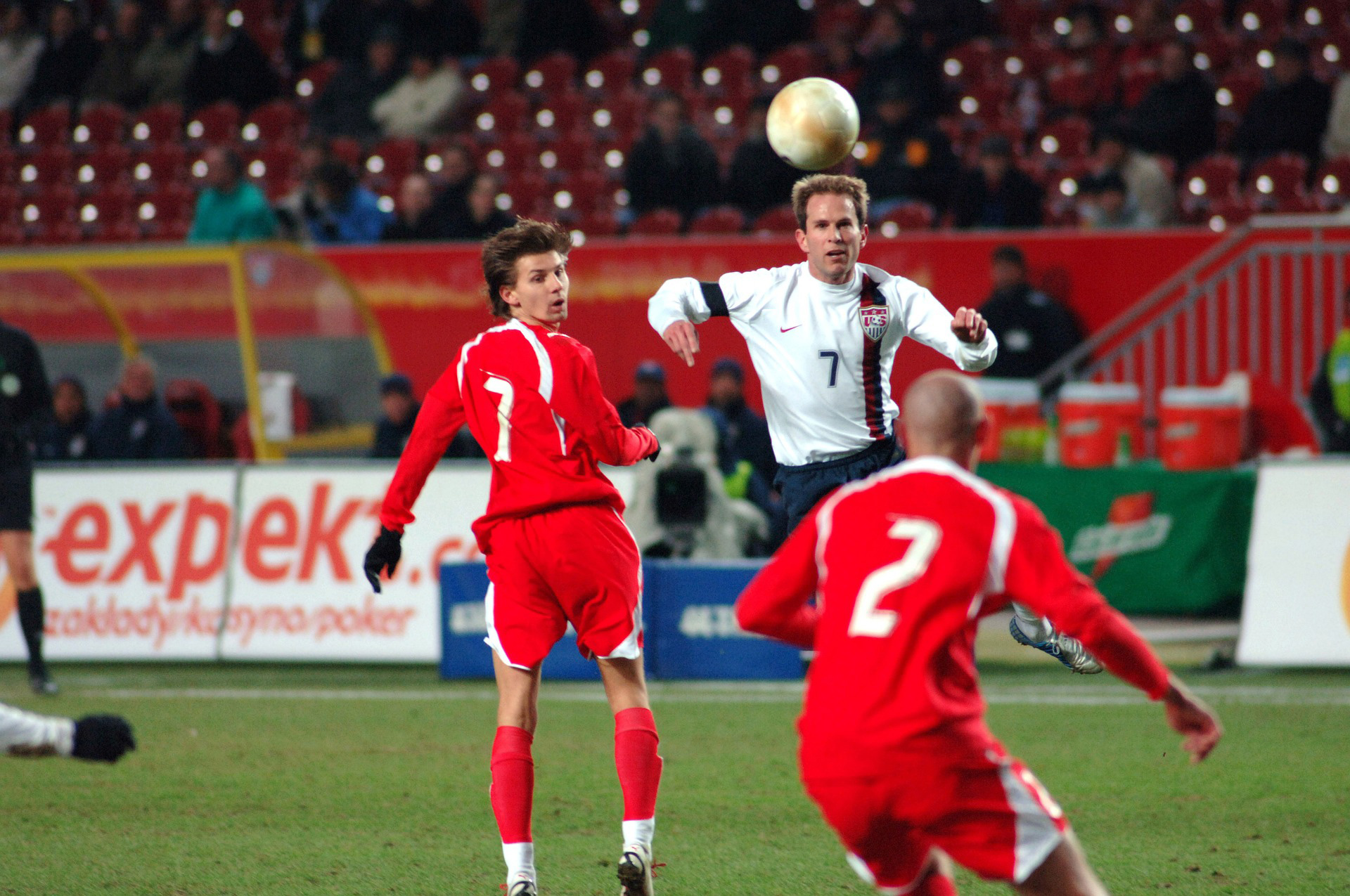 Bayern Munich's Douglas Costa sets up new goal glut against Olympiakos